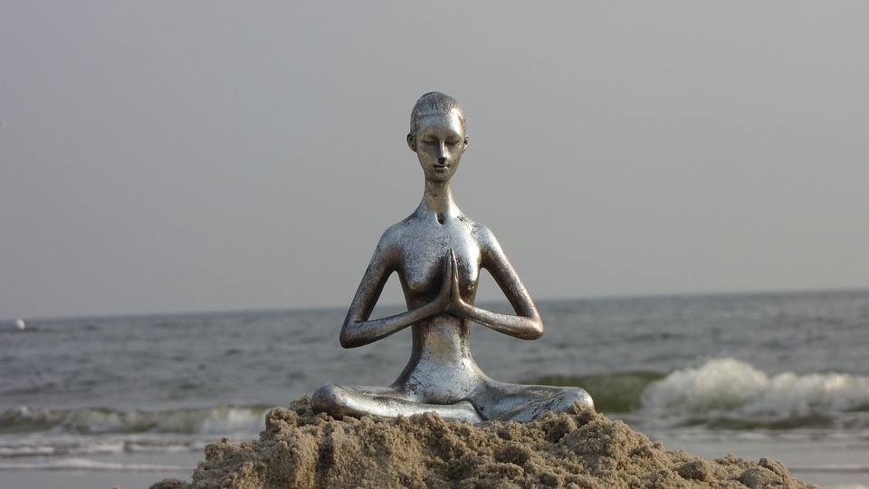 yoga-3045559_960_720